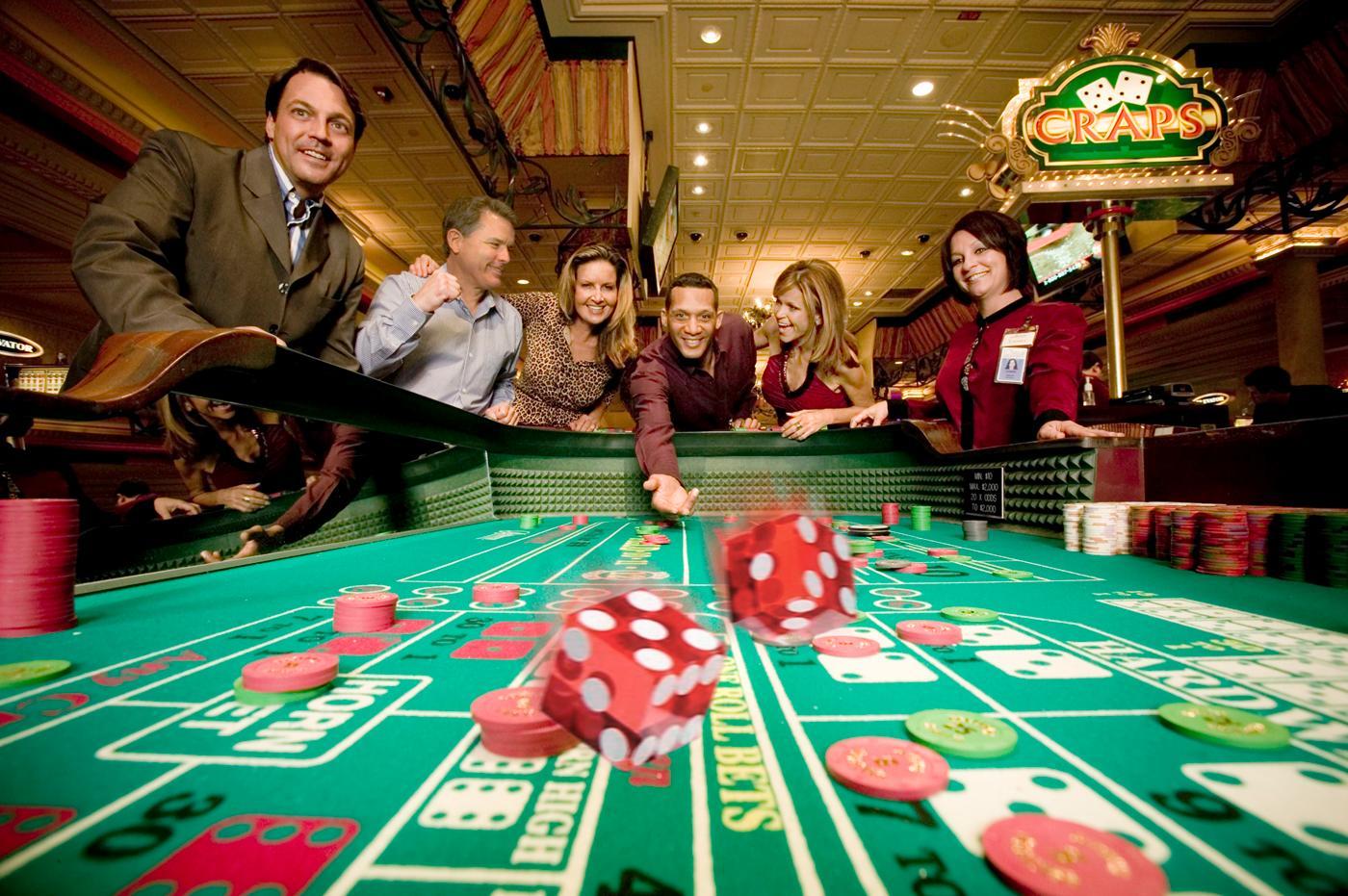Casino sur Internet : accepter ou refuser le bonus ?